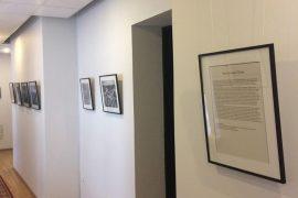 """Krašto apsaugos ministerija pasipuošė parodos """"Senas ir naujas Vilnius"""" fotografijomis"""